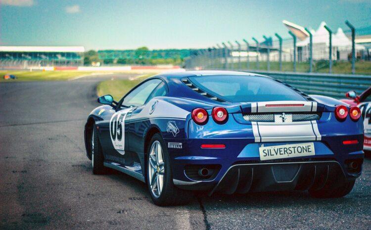 Rodzaje samochodów – ich charakterystyka i typy
